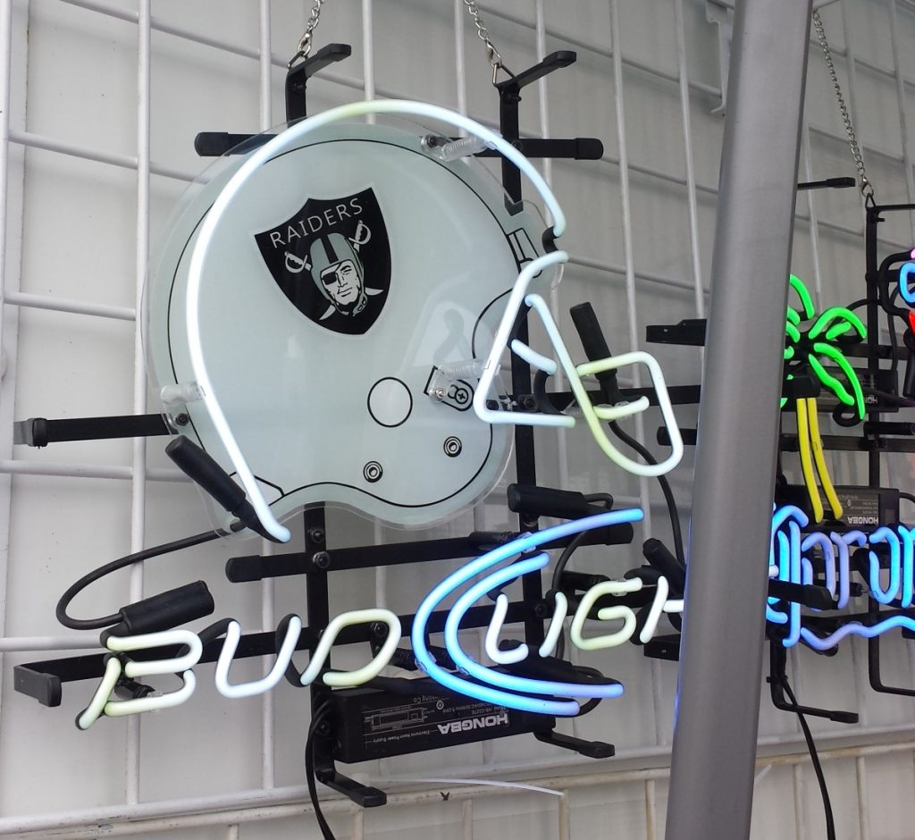 Raiders neon bar sign